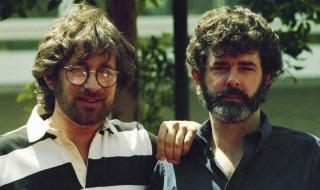 14 de Maio - George Lucas com o amigo e parceiro, Steven Spielberg, ainda jovens.