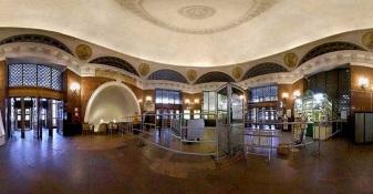 15 de Maio - 1935 - O Metrô de Moscou é aberto ao público.