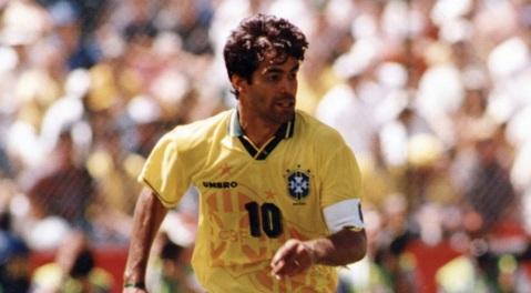 15 de Maio - 1965 — Raí, futebolista brasileiro, 10 da seleção.