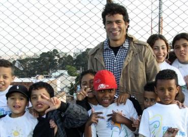15 de Maio - 1965 — Raí, futebolista brasileiro, Fundação Gol de Letra.