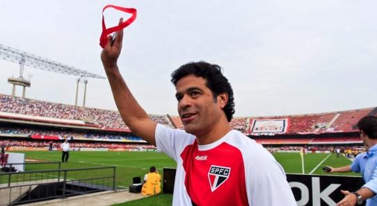 15 de Maio - 1965 — Raí, futebolista brasileiro, Prêmios no São Paulo.