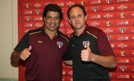 15 de Maio - 1965 - Raí - ex-futebolista brasileiro, com Rogério Ceni.