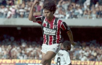 15 de Maio - 1965 - Raí, ex-futebolista brasileiro.