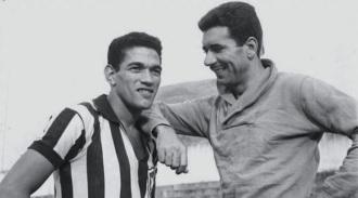 16 de Maio - 1925 – Nilton Santos, futebolista brasileiro (m. 2013) - com Garrincha, jovens.