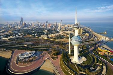 16 de Maio - 1999 - O Kuwait anuncia que, pela primeira vez na história do Emirado, as mulheres poderão votar e ser eleitas para o Parlamento e cargos municipais.