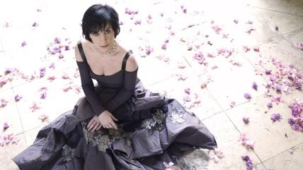 17 de Maio - 1961 – Enya, cantora irlandesa.