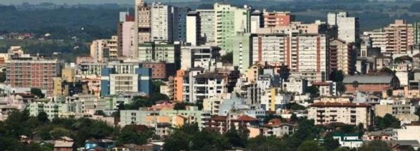 17 de Maio - Vista dos prédios em Santa Maria - RS.