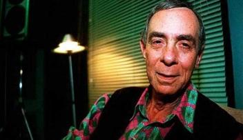 18 de Maio - 1999 — Dias Gomes, autor de telenovelas brasileiro (n. 1922).