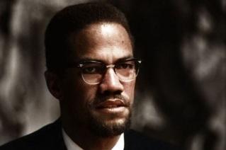 19 de Maio - 1925 – Malcolm X, líder negro estadunidense - foto colorida.