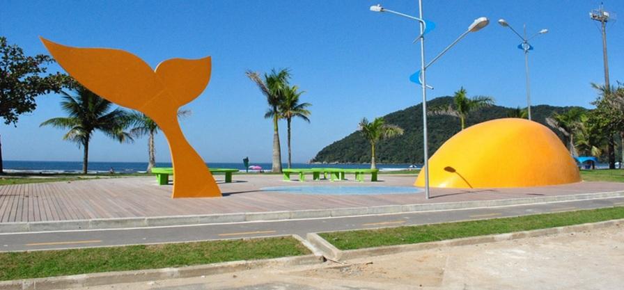 19 de Maio - Escultura do Rabo de Peixe, em Bertioga - SP.