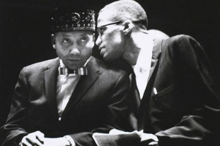 19 de Maio - Malcolm X e Elijah Muhammad.