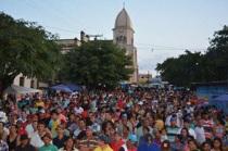 2 de Maio - Umbuzeiro (PB) - população da cidade durante um bingo.