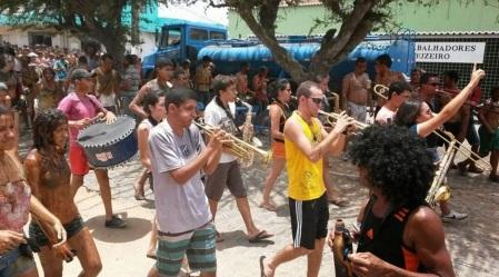 2 de Maio - Umbuzeiro (PB) - Uma orquestra de frevo formada por músicos, em sua maioria, umbuzeirenses, no carnaval 2015 de Umbuzeiro-PB.