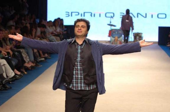 21 de Maio - Roberto Frejat desfila no Donna Fashion Iguatemi.