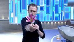 22 de Maio - 1980 - Tiago Leifert apresentando programa.