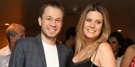 22 de Maio - 1980 - Tiago Leifert e sua esposa Daiana Garbin,