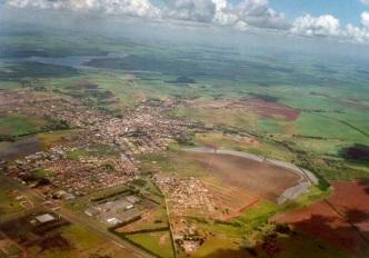 22 de Maio - Foto aérea da cidade — Pederneiras (SP).