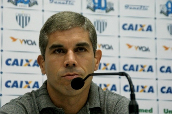 23 de Maio - 1976 – Ricardinho, futebolista brasileiro.