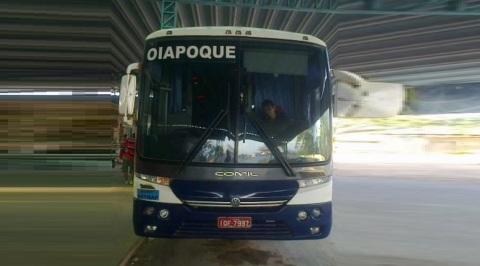 23 de Maio - Ônibus na rodoviária - Oiapoque (AP) 72 Anos.