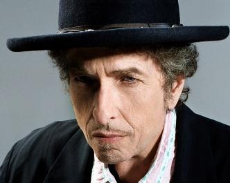 24 de Maio - 1941 – Bob Dylan, músico e compositor norte-americano - close up, chapéu, hat.