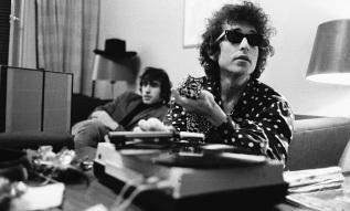 24 de Maio - Bob Dylan e Richard Manuel, em 1967 durante no Woodstock.