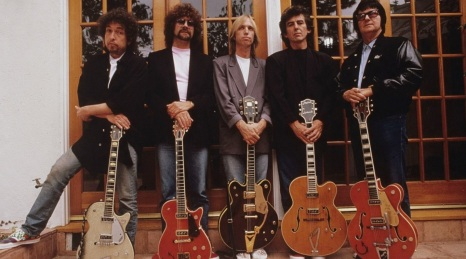 24 de Maio - The Traveling Wilburys - Roy Orbison, George Harrison, Bob Dylan, Tom Petty e Jeff Lynne.