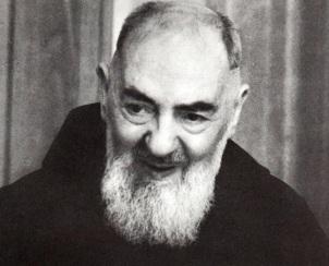 25 de Maio - 1887 - Padre Pio, religioso italiano (m. 1968).