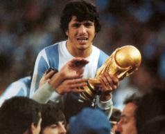 25 de Maio - 1953 - Daniel Passarella, ex-futebolista e treinador de futebol argentino.