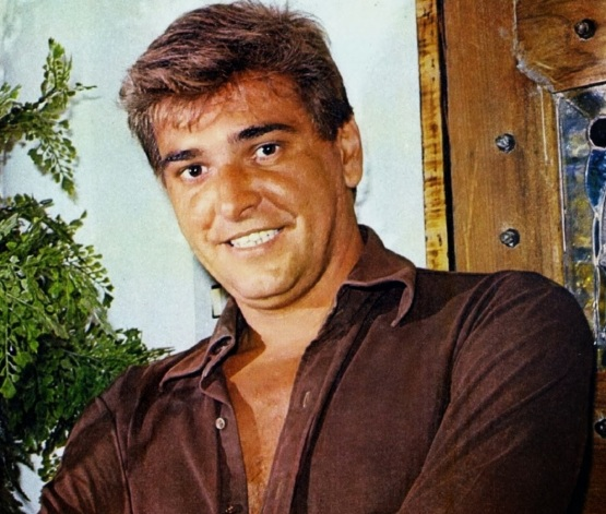 26 de Maio - 2003 — Carlos Eduardo Dolabella, ator brasileiro.