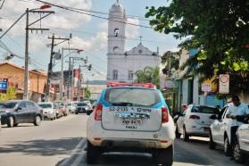 26 de Maio - Viatura da PM na avenida da Igreja Nossa Senhora do Amparo - Maricá (RJ) 203 Anos