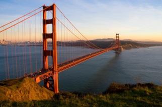 28 de Maio - 1937 — A Ponte Golden Gate da cidade de San Francisco, Califórnia é oficialmente aberta.