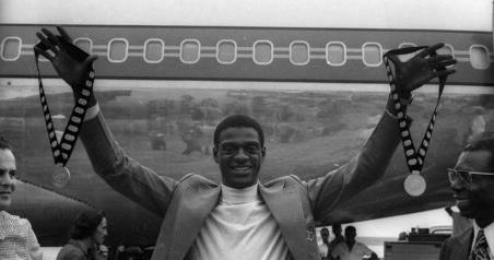 28 de Maio - 1954 — João do Pulo, atleta, ex-recordista mundial, salto triplo, medalhista olímpico e político brasileiro.