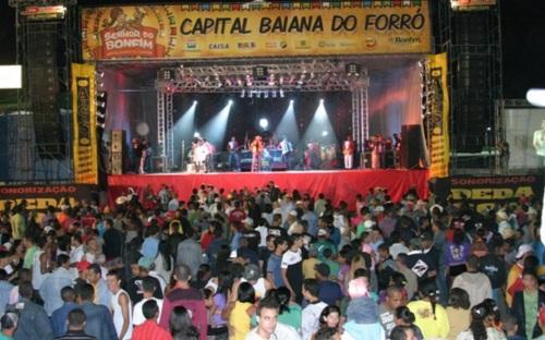 28 de Maio - Capital Baiana do Forró - Palco com Show em Senhor do Bonfim (BA) - 132 Anos.