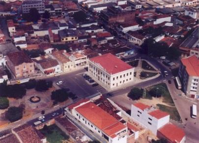 28 de Maio - Foto aérea da FACULDADE AGES — Senhor do Bonfim (BA) - 132 Anos.