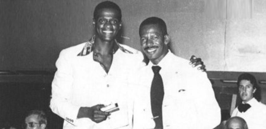 28 de Maio - João do Pulo (à esquerda) e Adhemar Ferreira da Silva, no restaurante, em São Paulo.