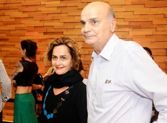 3 de Maio - 1943 - Drauzio Varella - médico oncologista - cientista e escritor brasileiro. Regina Braga e Drauzio Varella na première de 'Meu Amigo Hindu' - Foto de Bruna Guerra.