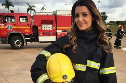 4 de Maio - Dia Internacional do Bombeiro - Cecília Ribeiro em um dia de bombeiro.