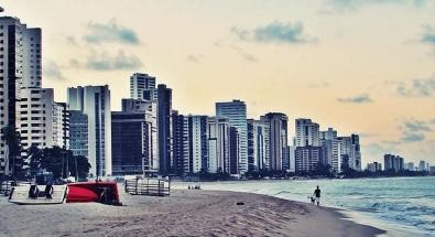 4 de Maio - Vista da Praia de Candeias – Jaboatão dos Guararapes (PE).
