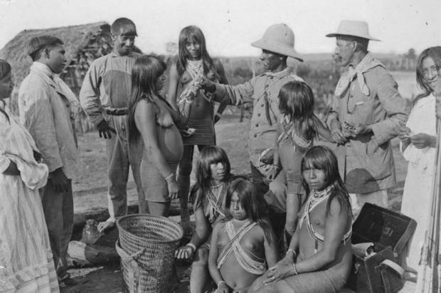 5 de Maio - Marechal Cândido Rondon com índios.