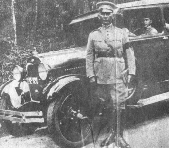 5 de Maio - O major Cândido Mariano Rondon, com seu Ford de Bigode.