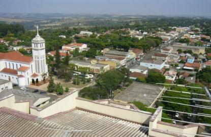 6 de maio - Tomada geral de Mandaguari no Paraná.