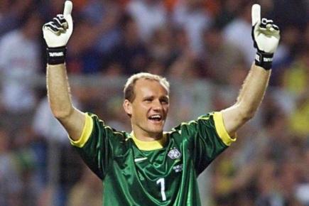 8 de Maio - 1966 — Cláudio Taffarel, ex-goleiro brasileiro, comemorando.