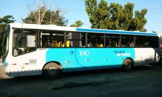 9 de Maio - Ônibus Coletivo — Teixeira de Freitas (BA).