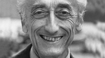 11 de Junho - 1910 – Jacques Cousteau, explorador e inventor francês (m. 1997).