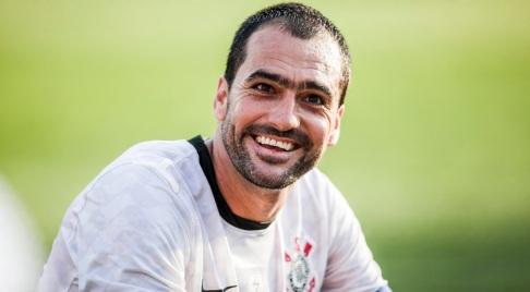 11 de Junho - 1979 – Danilo, futebolista brasileiro.