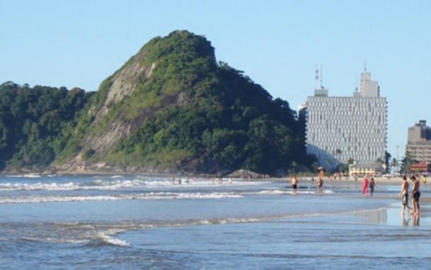 12 de Junho - Vista de Caiobá, o principal balneário de Matinhos - A (Cidade) Namorada do Paraná - Matinhos (PR) - 50 Anos.