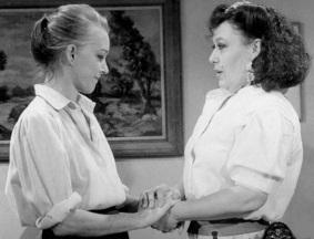 15 de Junho - Lilian Lemmertz com Marilu Bueno em Partido Alto (TV Globo, 1984), novela de Aguinaldo Silva e Glória Perez.