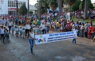 16 de Junho - Desfile cívico em Bariri (SP) — 127 Anos.
