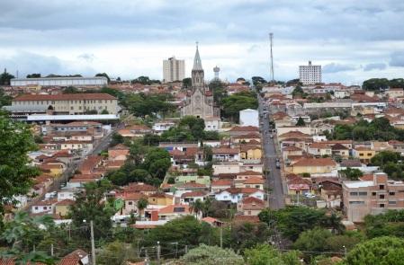 17 de Junho - Tomada geral da cidade com a Igreja Matriz ao fundo — São Manuel (SP) — 147 Anos.