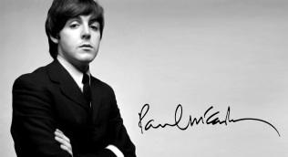 18 de Junho - 1942 - Paul McCartney, cantor e compositor inglês.